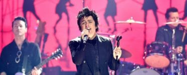 Watch: Green Day & The Longshot Ring In 2020